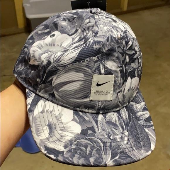 Nike Accessories - Womens Nike Hat